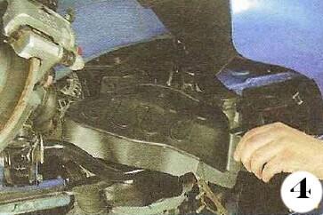 Как снять генератор с Chevrolet Spark М-200 операция 4