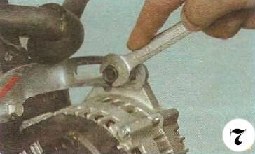 Как снять генератор с Chevrolet Spark М-200 операция 7
