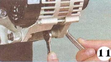 Как снять генератор с Chevrolet Spark М-200 операция 11