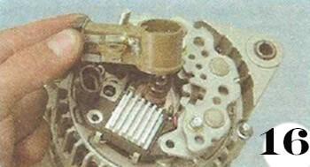 Как снять генератор с Chevrolet Spark М-200 операция 16