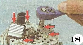 Как снять генератор с Chevrolet Spark М-200 операция 18