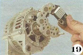 Как снять генератор с Chevrolet Spark М-200 операция 19